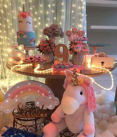 Ideias para decoração de festa tema Unicórnio Não trabalhamos com decoração, fazemos apenas os bolos da página: Paty Shibuya Bolos