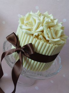 White chocolate cake by Cotton and Crumbs, via Flickr