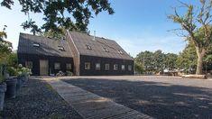 Donderen Barnhouse by Aatvos