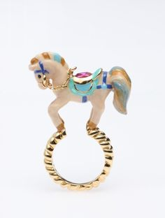 Disaya horse ring. I crave for this!