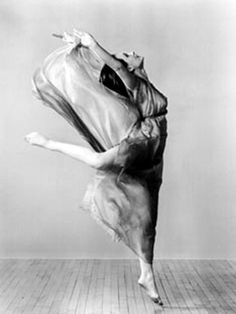 Isadora Duncan : Surrendering to the inspiration of the soul