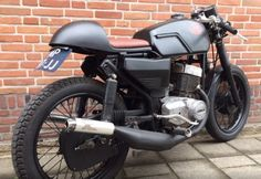Moto Jawa, Jawa 350, Cafe Bike, Custom Cafe Racer, Classic Bikes, Sidecar, Vintage Bikes, Old Cars, Cars And Motorcycles