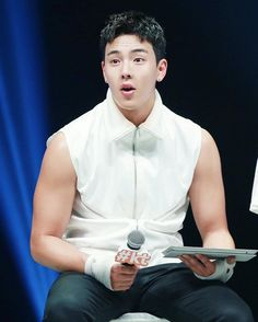 CUTE FACE BEAST BODY >< >< >< _ ©allofme #SHOWNU #MONSTAX #셔누 #몬스타엑스