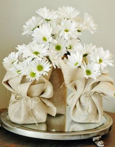 Burlap is an amazing material, and I've wanted to tell you how to use for décor for ages! Burlap can give your home a cool rustic or industrial look – Decoration Table, Table Centerpieces, Centerpiece Ideas, Deco Floral, Floral Design, Flower Holder, Burlap Flowers, Flowers Vase, Cut Flowers