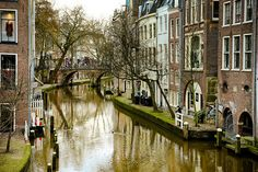 Better View Large On Black  Another picture of the one the canals in the centre of Utrecht, Holland.. Near the Lijnmarkt, at the end of Oudegracht.  Shot near the same place as This Pic.  For more pics of Utrecht please watch the whole set on Black with Flickriver. .