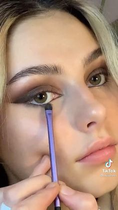 Edgy Makeup, Cute Makeup, Pretty Makeup, Skin Makeup, Minimal Makeup, Makeup Tutorial Eyeliner, Makeup Looks Tutorial, Natural Eyeliner Tutorial, Smokey Eyeshadow Tutorial