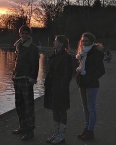 Thomas Brodie Sangster and his family