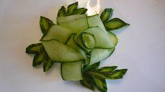 Цветок и лепестки из огурца. Украшения из овощей. Decoration Of Vegetables. Decoration Of Cucumber