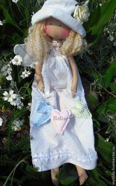 Человечки ручной работы. Ярмарка Мастеров - ручная работа Семейный Ангел. Handmade......(a delightfully dainty doll. i love everything about her!)....