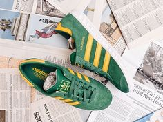 Adidas Originals Hamburg: Green/Spring Yellow
