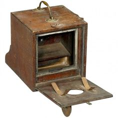 Dubroni, c. 1866 Wooden box camera for wet collodion process. Plate Camera, Box Camera, Antique Cameras, Old Cameras, Wooden Boxes, Germany, Auction, Science, Plates