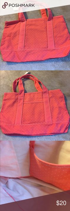 Nwt Gap Cloth Tote Pretty pink with white dots front pocket Tote. Snaps on top and inside pocket. GAP Bags Totes