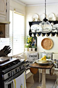 Farmhouse kitchen decorating ideas for summer lemons decorating with lemons black and white farmhouse kitchen White Farmhouse Kitchens, French Country Kitchens, Farmhouse Style Kitchen, Country Farmhouse Decor, French Country Decorating, Farmhouse Décor, Kitchen White, European Kitchens, Country Bathrooms