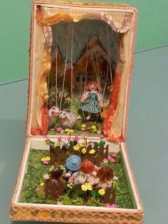 Caja titeres por Inés Moreno miniaturines