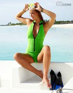 Bar Refaeli, Fitness Video, Sport Fitness, Bikinis, Swimsuits, Swimwear, Sports Illustrated Models, Scuba Girl, Swimsuit Edition