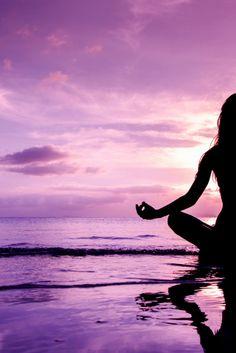 Deine Chakren - Reinigung, Stärkung und Schutz. Jedes der sieben Hauptchakren, steht für einen bestimmten Lebensbereich. Wenn alle Chakren einwandfrei und gleichmäßig arbeiten, fühlen wir uns gesund und zufrieden. Klicke auf den Pin und hole dir deine Meditation Meditation, Chakras, Health, Life, Gifts, Zen