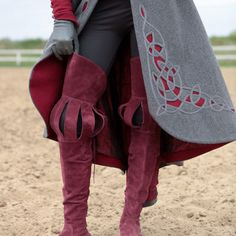 Great quality handmade suede boots for renaissance and medieval events and beautiful medieval look. Tailor made for you.
