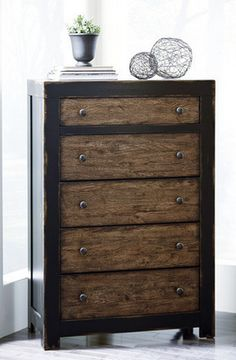 Charmant Bedroom Organization: Emerfield Chest By Ashley Furniture At Kensington  Furniture. Part Of The Elements