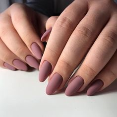 Oval nails are one of the most classical nail shapes. Oval nails are quite popul., Oval nails are one of the most classical nail shapes. Oval nails are quite popular in today's fashion world. Various color combinations play an import. Classy Nails, Stylish Nails, Trendy Nails, Simple Nails, Classy Almond Nails, Cute Acrylic Nails, Glue On Nails, My Nails, Acrylic Nails For Fall