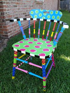 Whimsical painted furniture - 42 Upcycling ideas on how to decorate and paint old chairs Hand Painted Chairs, Whimsical Painted Furniture, Painted Stools, Hand Painted Furniture, Funky Furniture, Paint Furniture, Repurposed Furniture, Kids Furniture, Furniture Makeover