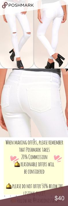 NWT LULU'S LEAN WITH IT WHITE DISTRESSED JEANS 25 Walk (don't run!) for a few more minutes of strutting in the Lean With It White Distressed Skinny Ankle Jeans! White cotton spandex offers a perfectly fitted look across these skinnies topped with belt loops, five-pocket cut, and hidden zip fly with top button. Distressing accents the knees, while the skinny pant legs taper to frayed hems. Unlined. 98% Cotton, 2% Spandex. Machine Wash Cold. Made with Love in the U.S.A Lulu's Pants