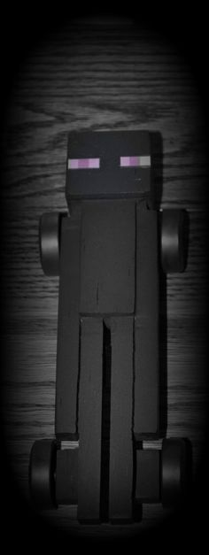 Enderman - Minecraft Pinewood Derby Car