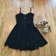 Forever 21 black dress Forever 21 black dress with straps. Great little black dress to have in any closet, for any occasion. Very versatile! Has small belt loops on side to wear with belt as another styling option. Size medium Forever 21 Dresses Mini