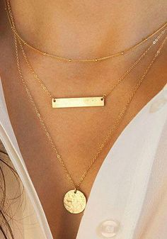 I love the layered necklaces look: Keep it simple, keep it chic. This delicate triple-layered necklace, featuring a matte rectangle pendant and a circle chain pendant, is a gr. Cute Jewelry, Gold Jewelry, Jewelry Accessories, Fashion Accessories, Jewelry Necklaces, Fashion Jewelry, Women Jewelry, Jewlery, Gold Bracelets