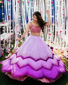 Looking for Bridal Lehenga for your wedding ? Dulhaniyaa curated the list of Best Bridal Wear Store with variety of Bridal Lehenga with their prices Indian Gowns Dresses, Indian Fashion Dresses, Dress Indian Style, Indian Designer Outfits, Designer Dresses, Indian Wear, Mehendi Outfits, Indian Bridal Outfits, Lehnga Dress