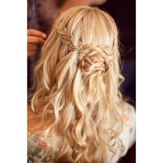 25 of the most beautiful Braided Bridal Updos ❤ liked on Polyvore featuring hair, hairstyles, hair styles, cabelos and beauty