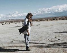 Mojave Desert California Roadtrip Travel Fashion Style