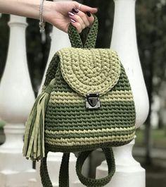 Kawaii Crochet, Diy Crochet, Crochet Handbags, Crochet Purses, Bag Patterns To Sew, Crochet Patterns, Crochet Backpack Pattern, Crotchet Bags, Crochet Bag Tutorials