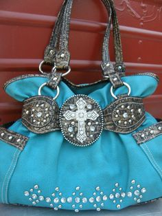Cross Purse. Super cute!