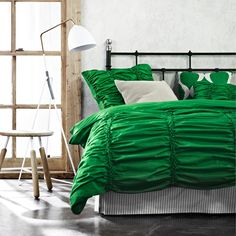 Gathered emerald quilt cover
