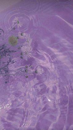 Violet Aesthetic, Lavender Aesthetic, Aesthetic Light, Aesthetic Colors, Light Purple Wallpaper, Purple Wallpaper Iphone, Purple Backgrounds, Wallpaper Backgrounds, Purple Aesthetic Background