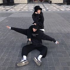 Cute Couples Goals, Cute Anime Couples, Couple Goals, Cute Couple Pictures, Best Friend Pictures, Ulzzang Couple, Ulzzang Girl, Korean Couple Photoshoot, Couple With Baby