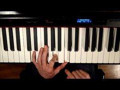 Piano Lesson 4 : Tutoriel Gammes et Arpèges - Les Aristochats - YouTube