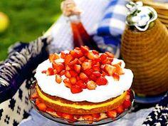 Leilas jordgubbstårta med lemon curd