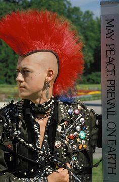 Fuck Yeah Punk Jackets Deathrock Fashion, Punk Fashion, Grunge Fashion, Punk Guys, 80s Punk, Estilo Punk Rock, Punk Mohawk, Arte Punk, Crust Punk