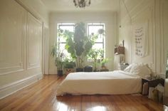 """househunting: """"$2550/2 br Brooklyn, NY """" love all those plants n posters"""