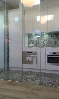 Acristalamiento de cocina con vidrio templado de seguridad y puerta corredera