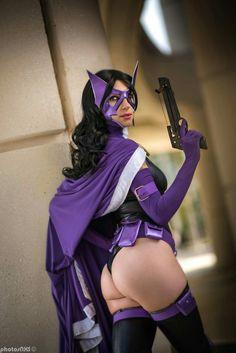 "cosplayheaven69: "" Cosplayer: Kiki Aran. Country: United States. Cosplay: Huntress from DC Comics. Photo by: Photosnxs. https://m.facebook.com/KikiAran/ """