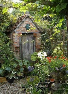 Beautiful landscape gardening shed