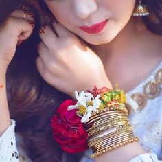 Cute Girl Poses, Cute Girl Photo, Girl Photo Poses, Cute Girls, Stylish Girls Photos, Stylish Girl Pic, Pakistani Bridal Hairstyles, Lehenga Hairstyles, Girly Dp