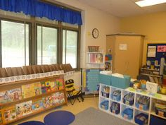 Literacy and Laughter - Celebrating Kindergarten children and the books they love: Classroom Library Linky Party