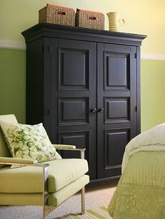 Better Homes and Garden's contributing editor Stephen Saint-Onge takes an empty, boring catchall room into an inviting guest room with a hidden home office. Armoire Makeover, Furniture Makeover, Bedroom Furniture, Bedroom Decor, Hall Furniture, Refinished Furniture, Bedroom Office, Modern Bedroom, Furniture Ideas