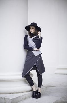 With that one, you can't go wrong. It's a very cosy and smoothy fabric, that can be combined with every single color and all types of women. Shades Of Grey, Tweed, Types Of Women, Dark Grey, Jeans, Wrap Dress, That Look, Normcore, Hipster