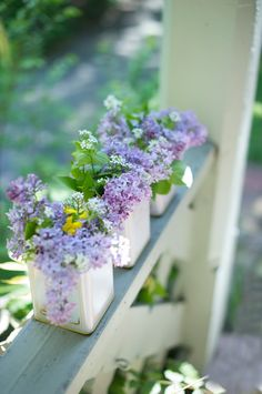 Ana Rosa, Pretty little tins filled with sweet lilacs. Decoration Plante, Happy Wednesday, Wednesday Wishes, Wonderful Wednesday, Container Gardening, Tea Container, Spring Time, Flower Power, Floral Arrangements