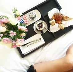 IG @ sandy.rubio.dsgn had perfectly captured the happiness of having breakfast in bed! #radissonblu #Marrakech