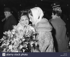 Download this stock image: Schneider, Romy, 23.9.1938 - 29.5.1982, German actress, half length, with Maria Brauner, middle of 1950s, flower bouquet, flower - b49yr5 from Alamy's library of millions of high resolution stock photos, illustrations and vectors.
